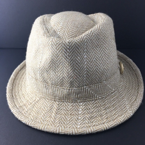 684b506febc CHANEL Accessories - Chanel 100% Wool Herringbone Fedora Hat